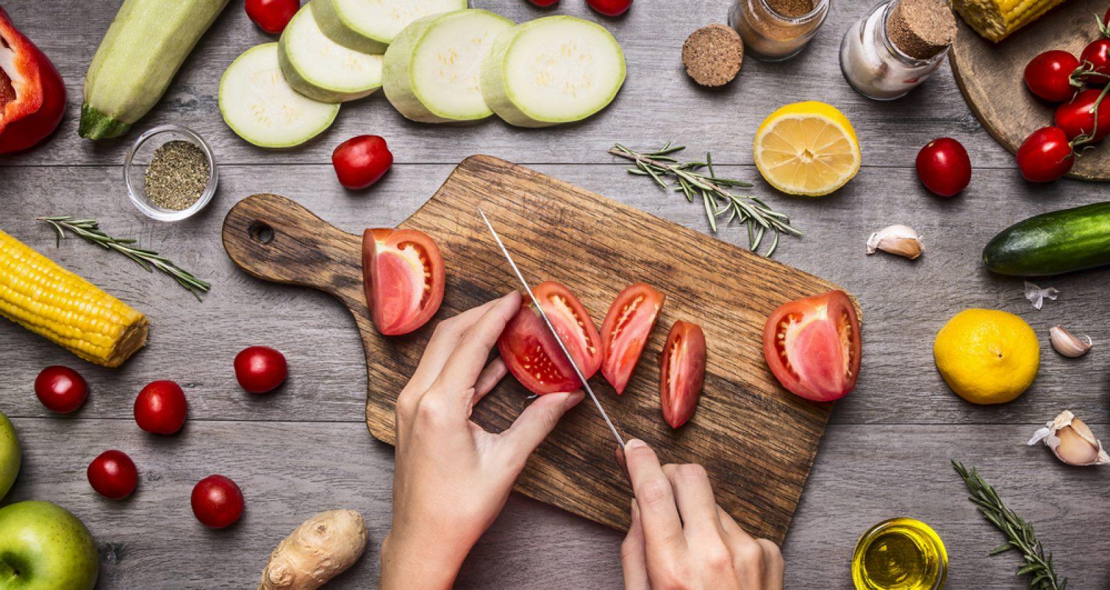 جلوگیری از چروک صورت با استفاده از مواد غذایی