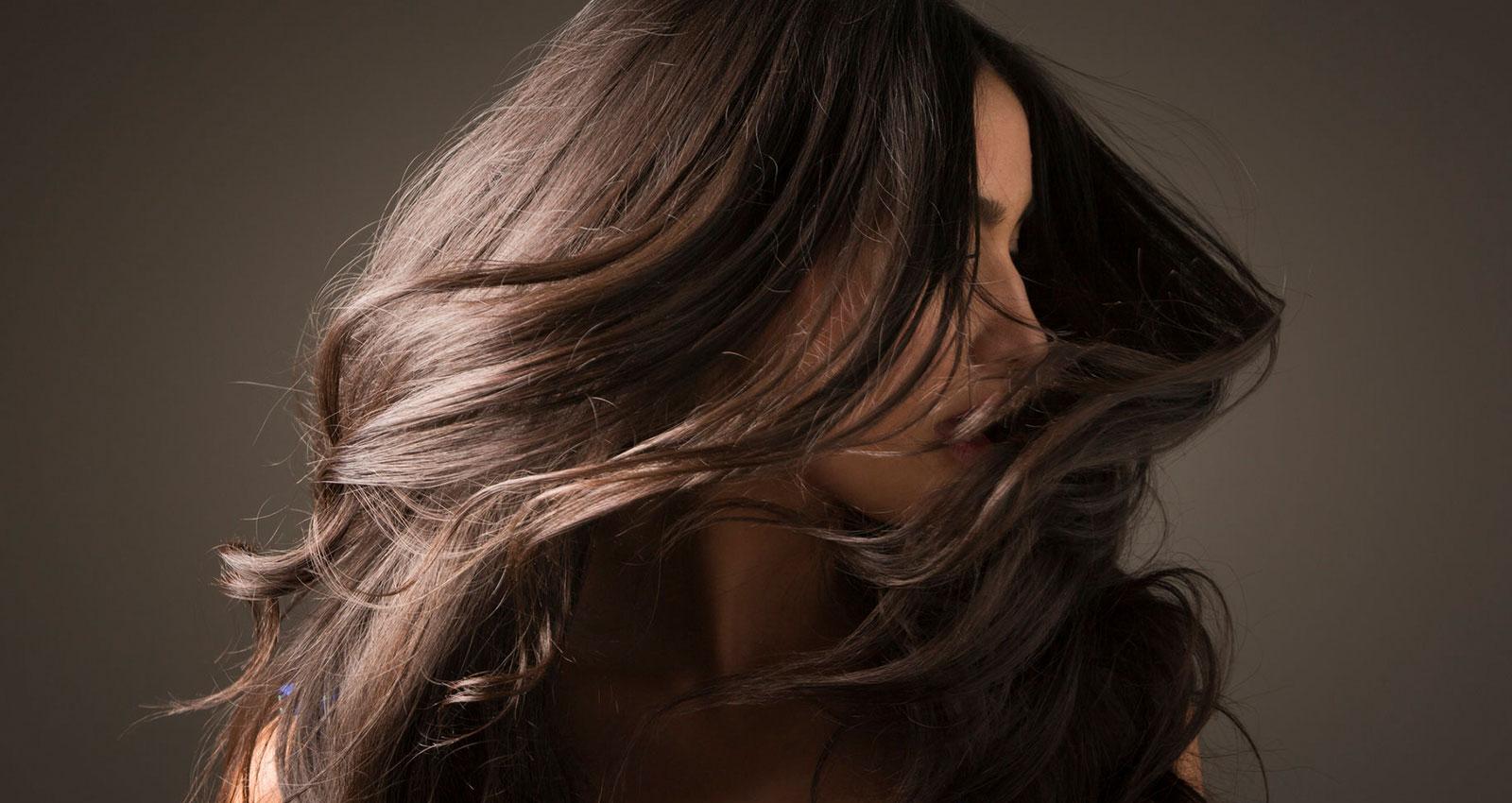 چگونه موهایی سالم و انبوه داشته باشیم