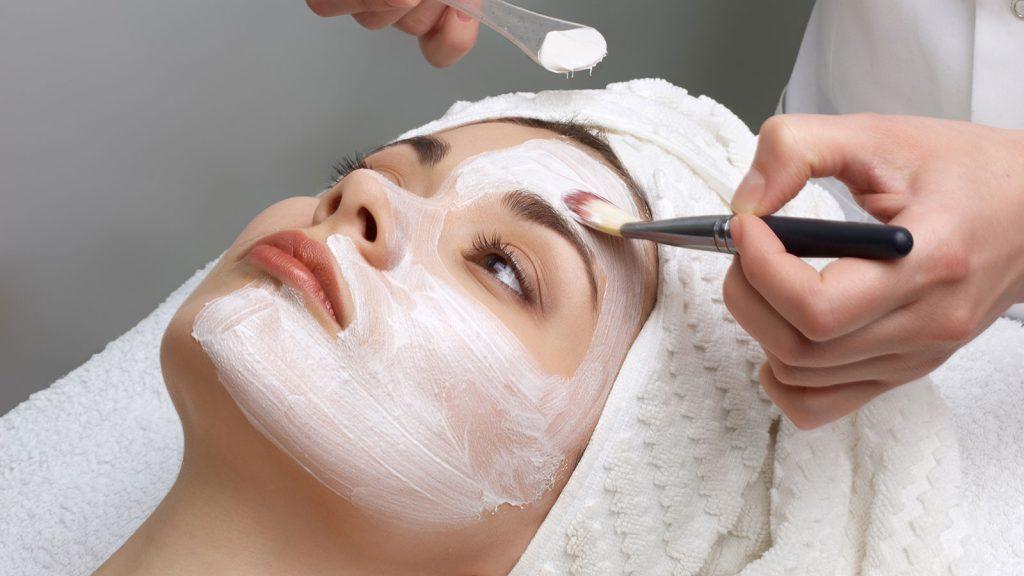 لایه برداری شیمیایی - کلینیک پوست و مو رخ آرا