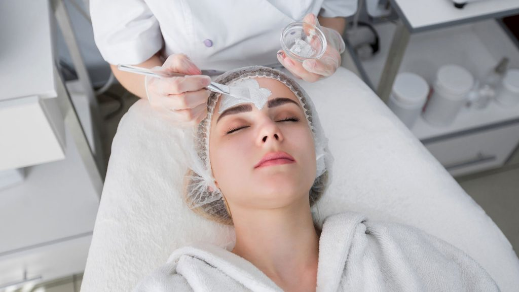 لایهبرداری شیمیایی - کلینیک پوست و مو رخ ارا
