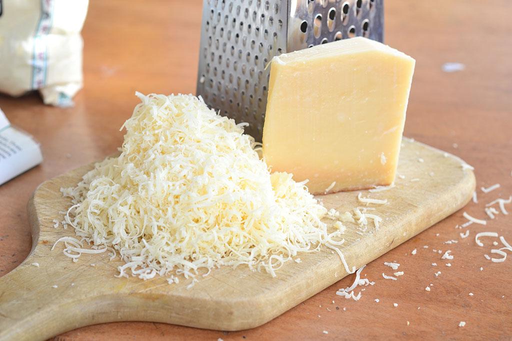 پنیر پارمزان چربیسوز شکم