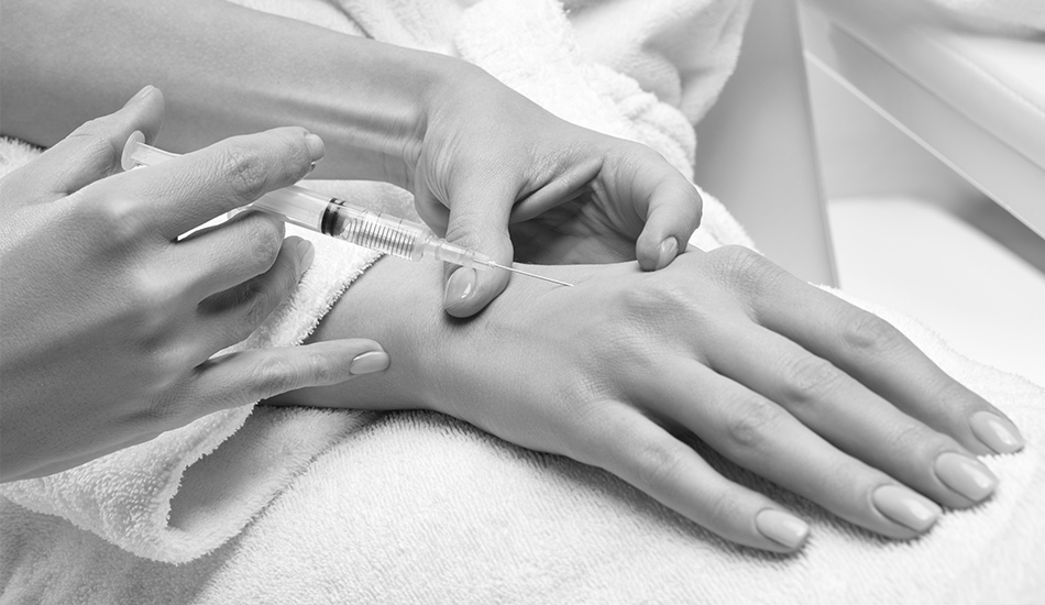 تزریق ژل برای رفع چروک و جوانسازی دست