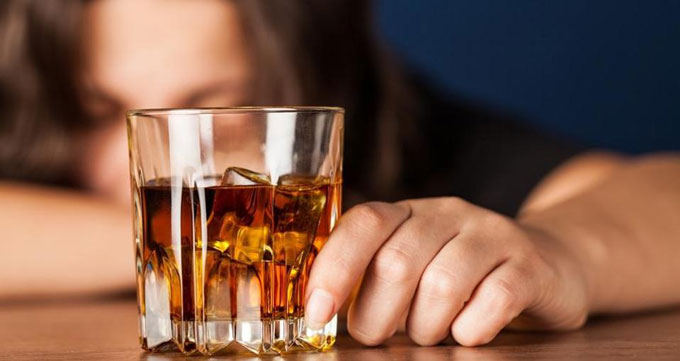 ۸- مصرف مشروبات الکلی را قطع کنید