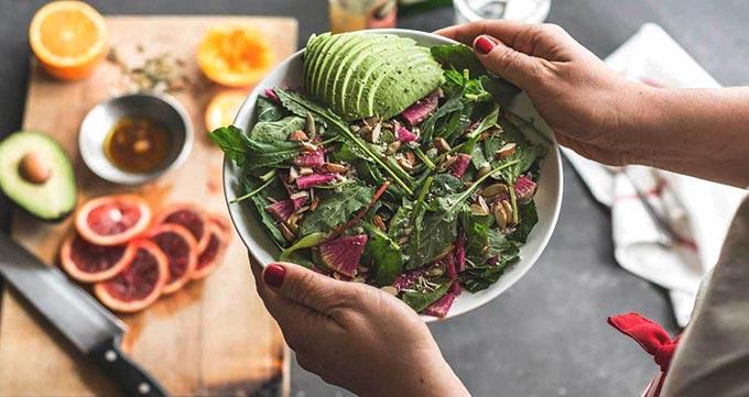 افرادی که پس از عمل به رژیم غذایی سالم و ورزش کردن متعهد هستند.