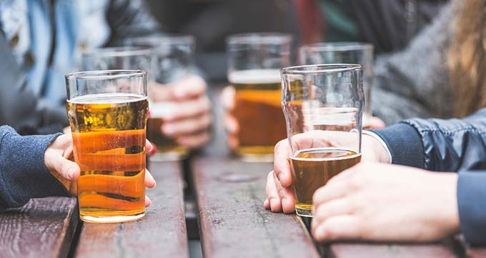 از نوشیدن الکل اجتناب کنید