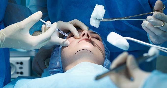انجام چند عمل جراحی زیبایی به طور همزمان