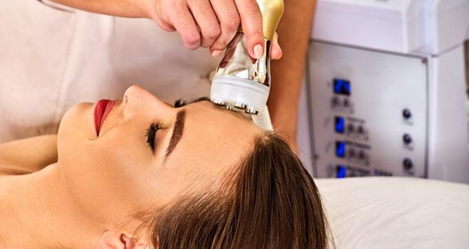 لیزر پوست چه مشکلاتی را درمان میکند؟