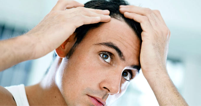 آیا جراحی کاشت مو حرفهای درمان قطعی طاسی در آقایان است؟