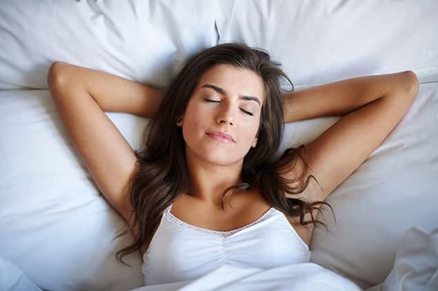 نحوه خوابیدن بعد از بوتاکس در شب